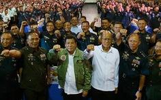 Bộ trưởng Quốc phòng Philippines nói đỡ cho ông Duterte