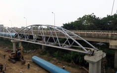 Hiện trường thi công dở dang đường ống nước sạch Sông Đà