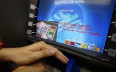 """Điểm nóng 360: Vietcombank: """"Khách hàng phải che tay khi nhập mật khẩu"""""""