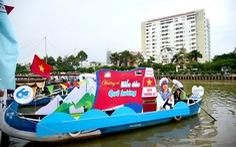 Diễu hành thuyền hoa trên kênh Nhiêu Lộc - Thị Nghè