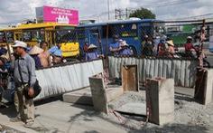 Vì sao không khởi tố vụ người đón xe buýt lọt hố ga chết?