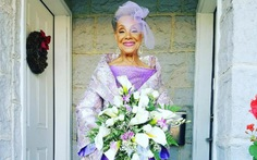 Xem cô dâu 86 tuổi tự thiết kế áo cưới lãng mạn