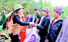 Quỹ từ thiện Kim Oanh chia sẻ với người dân vùng lũ Quảng Bình