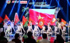 Chiến sĩ quân y: biển xanh, áo trắng và trái tim hồng