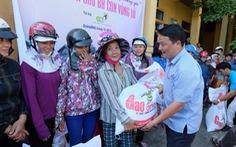 500 phần quà bạn đọc Tuổi Trẻ đến người dân Quảng Bình