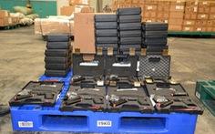 Tịch thu lô súng quân dụng vào VN bằng đường hàng không