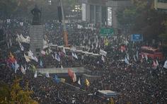 Tỉ lệ ủng hộ tổng thống Hàn Quốc còn 2%