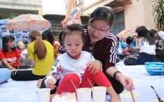 'Vỗ béo' heo đất giúp trẻ em nghèo