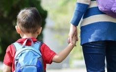 """Sao không hỏi """"học được gì từ mẹ""""?"""