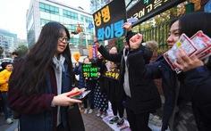 Hàn Quốc cấm máy bay, xe tải.. để thí sinh tập trung thi đại học