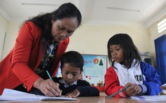 Cô giáo hiến đất xây trường