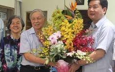 Các lãnh đạo thăm nhà giáo nhân 20-11