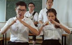 Nhóm 'Anh chị em nghệ sĩ' hát về thầy cô, trường lớp