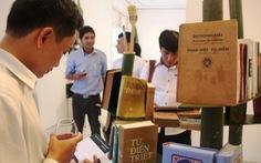 200 bộ từ điển và 300 đầu sách triển lãm ở Huế