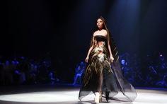 Đêm thời trang của 6 nhà thiết kế tôn vinh 'Phụ nữ là vàng'