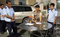 Khởi tố vụ án thiếu tá Campuchia mang 18kg vàng vào VN