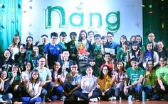 Á hậu Thúy Vân cùng sinh viên mang Tết cho người nghèo