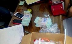 Phá đường dây mua bán ma túy có súng, bắt 4 nghi can