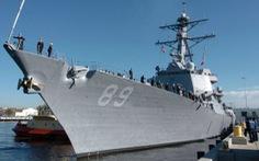 Tàu khu trục Mỹ USS Mustin tới cảng Cam Ranh