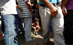 Những phận 'chị Dậu' ở Venezuela