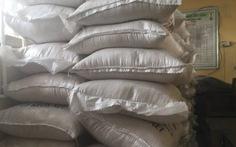 """Nigeria tịch thu 2,5 tấn hàng nghi """"gạo nhựa"""" từ Trung Quốc"""