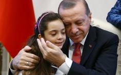 Tổng thống Thổ Nhĩ Kỳ Erdogan chơi cao cờ