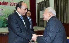 Mê mải nghiên cứu cao siêu để DN Việt phải tốn tiền cho nước ngoài