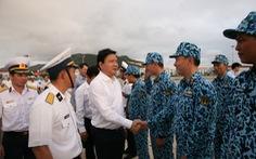 Bí thư Thành ủy Đinh La Thăng thăm lữ đoàn tàu ngầm