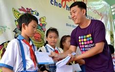200 suất quà Tết đến với học sinh vùng lũ Bình Định