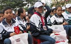 Quà Tết yêu thương đến với học trò nghèo vùng lũ Quảng Bình
