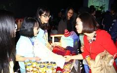 Nhiều đêm nhạc gây quỹ tặng quà người nghèo dịp tết