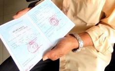 Người bị bắt oan được cấp sổ hộ khẩu sau… 25 năm