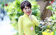 Nghệ sĩ Việt Hương chúc tết độc giả báo Tuổi Trẻ