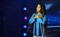 'Má Út Bạch Lan' hát trên sân khấu