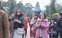Không nên đo đếm Tết cổ truyền Việt về kinh tế!