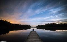 Đã khuya rồi, vẫn ngồi ngắm sao... tại Phần Lan và Hy Lạp