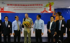 TP.HCM đón khách quốc tế đầu tiên được cấp thị thực điện tử
