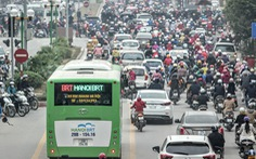Ngày mai, 6-2, xe buýt nhanh Hà Nội hết miễn phí
