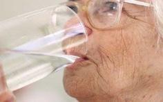 Chứng khô miệng ở người cao tuổi