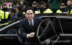 Lãnh đạo tập đoàn Samsung trình diện thẩm vấn