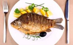 Ăn cá - cách hữu hiệu ngăn chặn lão hóa