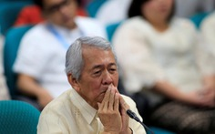 Ngoại trưởng Philippines 'rớt đài' vì hộ chiếu Mỹ