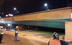 Lắp nhịp dầm cầu vượt nút giao thông Gò Mây