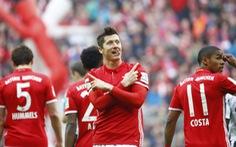 Lewandowski lập cú đúp, B.M thẳng tiến đến ngôi vô địch