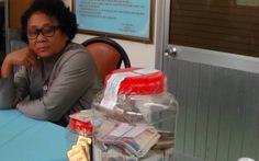 Bắt người Campuchia mang 100 triệu Riel và 8kg vàng vô VN