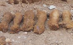 Khai quật hầm đạn cối, phát hiện 2 bộ hài cốt liệt sĩ