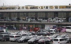 Xả súng ở sân bay của Pháp, có dấu hiệu khủng bố