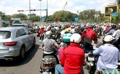 Kẹt xe kéo dài khu vòng xoay Nguyễn Thái Sơn - Nguyễn Kiệm