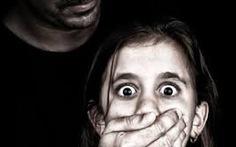 """Sửa luật để """"trị"""" tội xâm phạm tình dục trẻ em"""