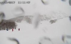 Lở tuyết ở Nhật Bản, nhiều học sinh có thể thiệt mạng